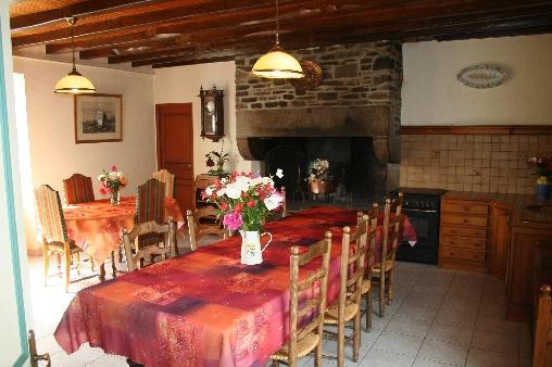 Chambre d'hote Ille-et-Vilaine - salle à manger avec cheminée