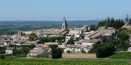 Le Clos Chantebise Visan, a village fourteen minutes from Le Clos Chantebise