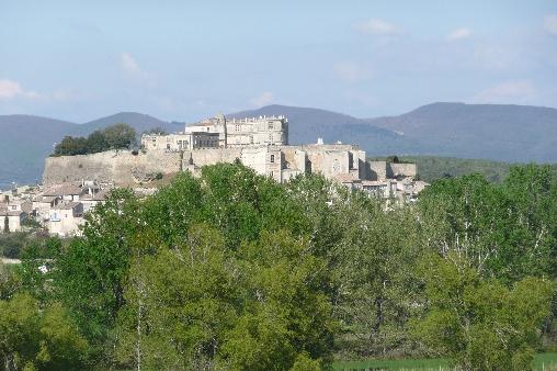 Le Château de Grignan, à 10 mn du Clos Chantebise