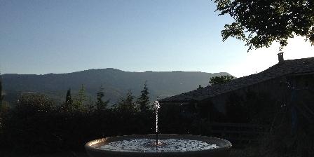 Domaine La Vanige Petit matin au Domaine de La Vanige : gîtes avec piscine