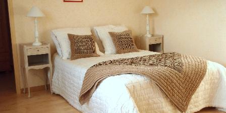 Au Cadran Solaire La chambre(lit grand confort 160 de largeur)