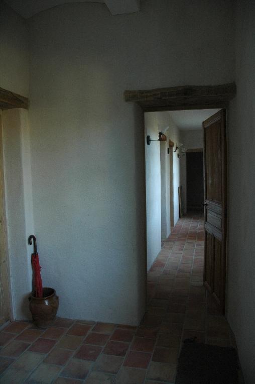 Chambre d'hote Ardèche - le couloir dessert les chambres