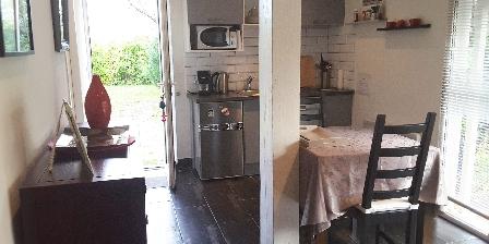 Gîte Le Jas de Berrias La pièce principale/coin cuisine