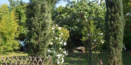 Gîte Le Jas de Berrias Un bout de jardin