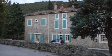 Domaine Saint-andrieu Gite situé a l'extrème gauche de la photo