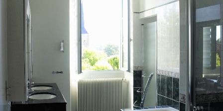 Manoir de La Voûte Chambord suite bathroom