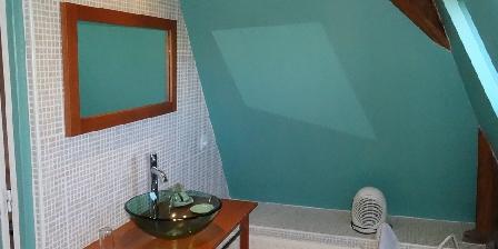 Manoir de La Voûte Suite Cheverny : salle d'eau