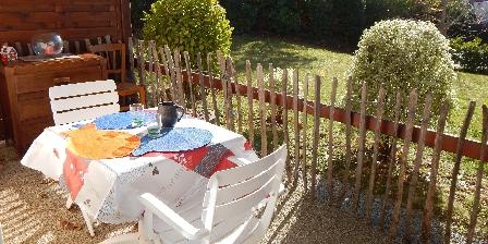 Les Sables du Portzic Coin repas sur la terrasse