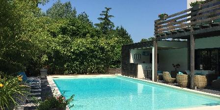 La Tourasniere Vue de la piscine
