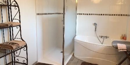 La Tourasniere Salle de bains
