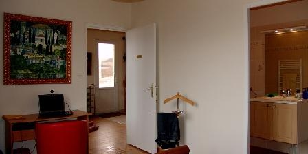 La Vigneraie de Fuissé From the room to the livingroom