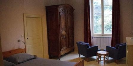 Gîte Petit Château de Roquetaillade Un de deux chambres côte à côte du gîte