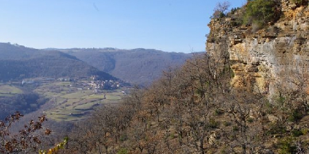 Gîte Petit Château de Roquetaillade Balades nivélé à partir de Roquetaillade ici vue sur Marzials