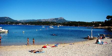 Le Mas de La Gavaresse Le Pénéquet La plage des Oursinières