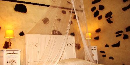 Le Mas de La Gavaresse La Fenière Une chambre