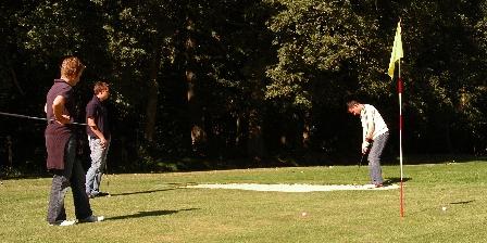 Le Gîte de L'atelier L'accès gratuit du golf compact