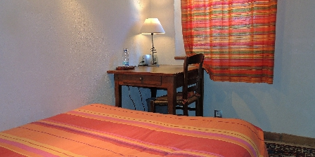 Chambre d'hotes Les Chênes Verts > Grenadine chambre2