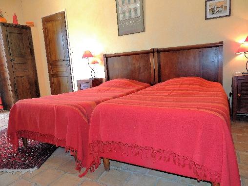 Chambre Orange 2 lits jumeaux