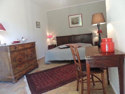Chambre orange 1 lit 180x190