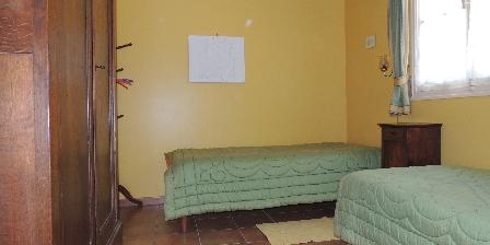 Gite Chez Mémé Delphine > la chambre jaune