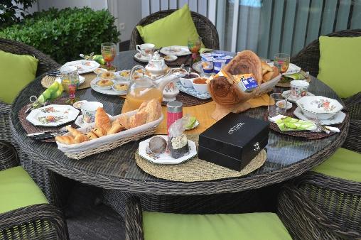 Petit déjeuner LA CADANELLAU