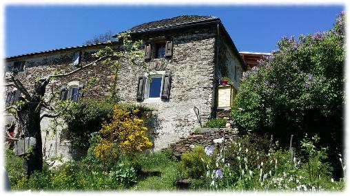 Chambre d'hote Lozère - L'Oustaou de Joséphine, chambres d'hotes, cabane perchée et dôme