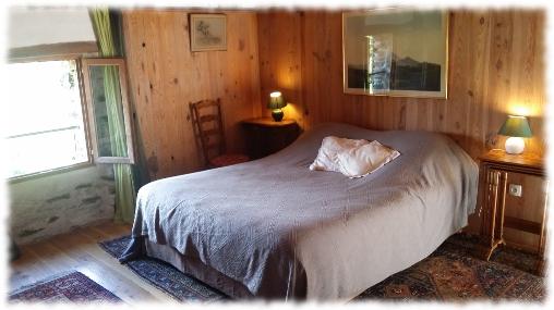 Chambre d'hote Lozère - Chambre Est de l'Oustaou (lit 160X200)