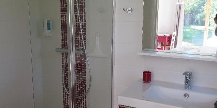 Crisalys Chambres D'hôtes Salle d'eau Mi-figue mi-raisin