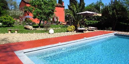 Villa Chandra La piscine et le jardin de la Villa Chandra