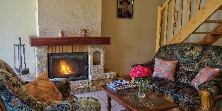Gîte Ty Uhella Coin salon et cheminée
