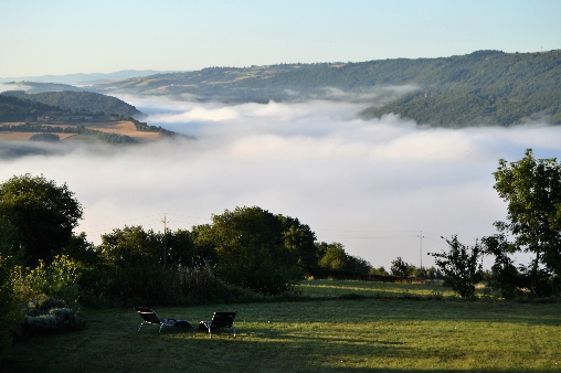 bed & breakfast Aveyron - vue from the house