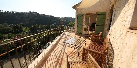 Gite Villa Pagnol > Terrasse dupex Iris