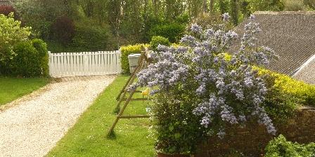 Gite Les Gîtes de Kergorz > Pelouse, cour et jardin. > Cliquez ici pour agrandir cette photo