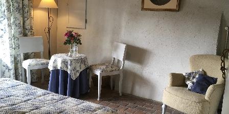 Gîte au Grand Menasson Chambre bleue