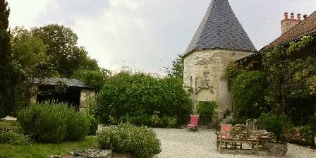 Gîte au Grand Menasson Cour plein sud avec rocaille
