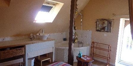 Ferme de La Vieuville Chambre avec bain gîte Longère