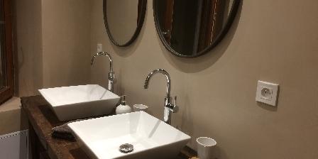 La Maison au Soleil Bathroom from 1st stair