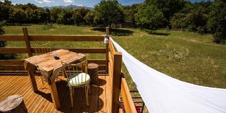 Le Mas Cabanids La terrasse de la yourte, vue sur le Canigou