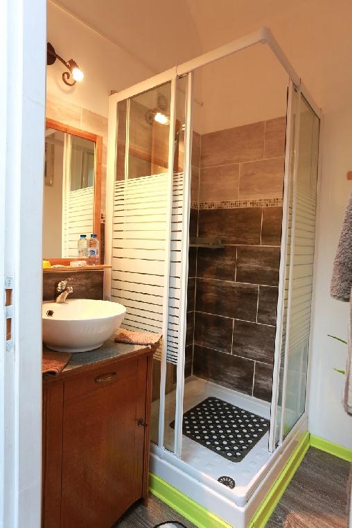 Chambre d'hote Hautes-Pyrénées - Salle d'eau chambre Anis