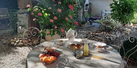 Chambre d'hotes L'Oréliane en Provence > Petit-déjeuner