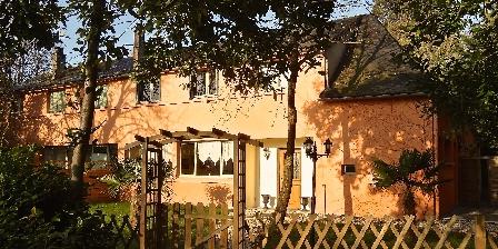 Gite Grande Villa du Chateau en Touraine > Façade de la Villa
