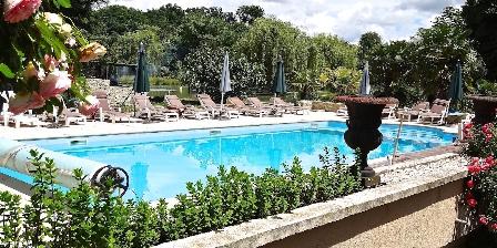 Gite Grande Villa du Chateau en Touraine > Piscine chauffée 15 x 6