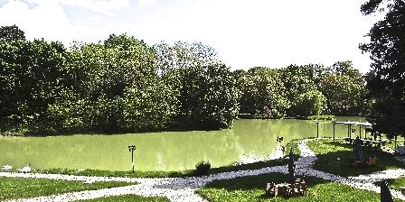 Chateau Les Vallees Vue du Château sur le lac