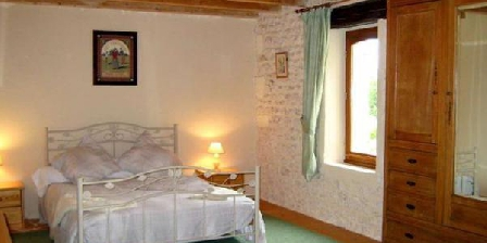 Au Domaine Bardon Au Domaine Bardon, Chambres d`Hôtes Chaunac (17)