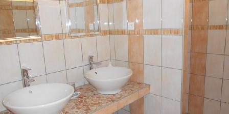 Chambre d'hotes Les Romarins > Les Romarins, Chambres d`Hôtes Cairanne (84)