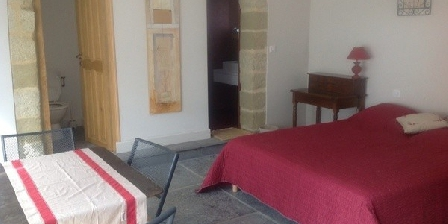 Mas du Bon Dieu Mas du Bon Dieu, Chambres d`Hôtes St Quentin La Poterie (30)