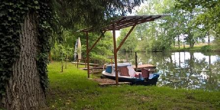 Studio sur la rivière avec bateau electrique Studio sur la rivière avec bateau electrique, Chambres d`Hôtes Savignac Les Eglises (24)