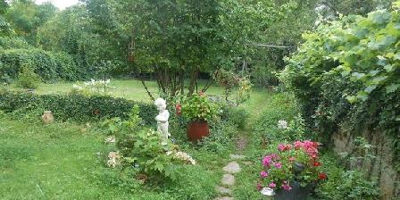 Le Bois des Nids Le Bois des Nids, Chambres d`Hôtes Lurcy Levis (03)