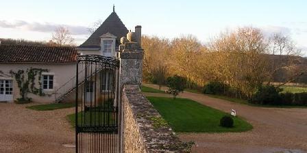 Château de Vaumoret Château de Vaumoret, Chambres d`Hôtes Poitiers (86)