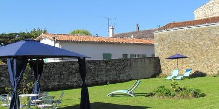 L'ancien Hôtel De Ville. (the Old Town Hall) L'ancien Hôtel De Ville. (the Old Town Hall), Chambres d`Hôtes Foussias Payre (85)